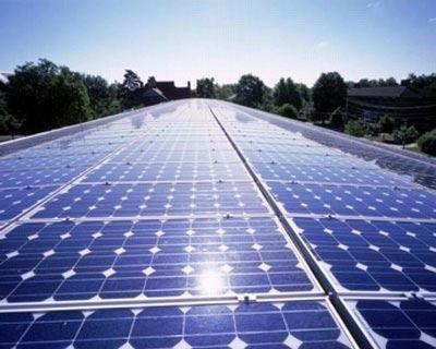 Detrazione 55% per interventi di risparmio energetico, come installazione di pannelli solari, confermata fino al 2013
