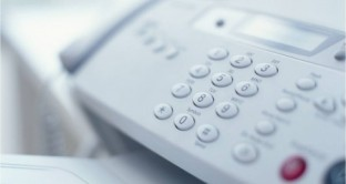 Lavoro a chiamata con un sms bloccato in attesa di nuove istruzioni dal Ministero. Fino al 15 settembre comunicazione possibile solo con fax e Pec