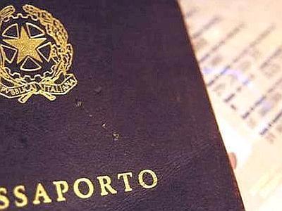 Bollo passaporto sostituito da un contributo nella proposta lanciata dal Ministro Giarda in un question time alla Camera