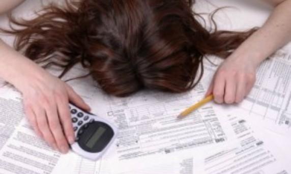 Spese mensili delle famiglie gravate dalle tasse. Si chiude un anno di Governo Monti: per gli italiani è tempo di bilanci