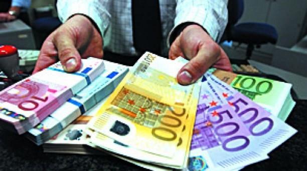 Il Premier annucia l'arrivo della tassa patrimoniale scatenando le reazioni di tutti, ma Palazzo Chigi smentisce. C'è da crederci?
