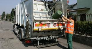 Entra in vigore tra meno di un mese la  nuova tassa rifiuti ma manca ancora il regolamento attuativo, nonchè i comuni non hanno deciso nulla sul versamento