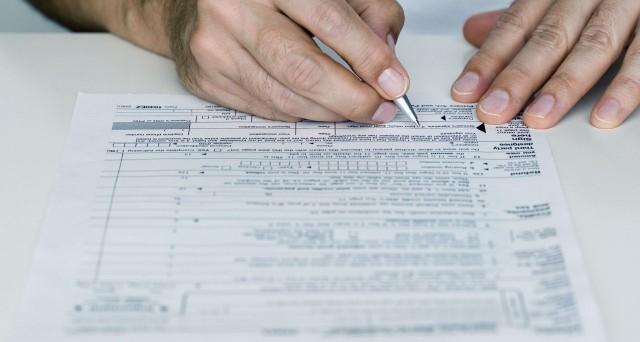 L'Agenzia delle entrate pubblica la bozza del modello Cud 2013 con le relative istruzioni, insieme al modello Iva per il periodo di immposta 2012. Si scaldano i motori per le dichiarazioni dei redditi del prossimo anno