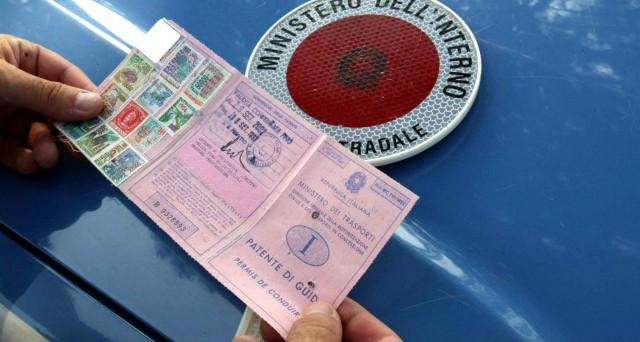 Ecco cosa fare in caso di furto o smarrimento della patente di guida: quanto costa ottenere il duplicato?