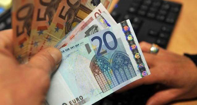 Quando pagare la prima rata della tassa Imu 2013 e precisazioni sulle aliquote Imu che devono adottare i comuni entro il 30 aprile. Queste le indicazioni del Dipartimento delle Finanze