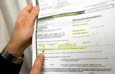 Come fare istanza di sospensione immediata delle cartelle di pagamento illegittime che possono essere annullate dopo 220 giorni di inerzia da parte dell'ente creditore secondo l'ultima legge di stabilità 2013