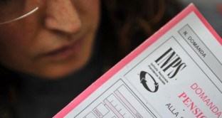Cambia l'età pensionabile per donne e uomini dal 1 gennaio 2013 con l'avvento della riforma Fornero. Tutto quello che occorre sapere e le ultime indiscrezioni con la legge di stabilità 2014