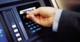 Anagrafe conti correnti operativa da quest'anno e tra limiti al pagamento in contanti e redditometro, i cittadini sono tutti sotto l'occhio attento del Fisco