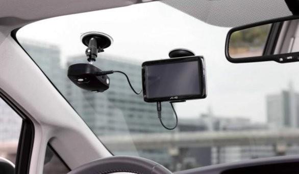 Pubblicato sulla GU il decreto che fissa le caratteristiche della scatola nera da inserire sull'auto per godere di agevolazioni e sconti sull'assicurazione