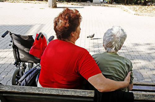 Licenziamento badante e colf senza pagare la tassa di circa 1500 euro prevista per finanziare l'Aspi, l'assicurazione sociali per l'impiego introdotta dalla riforma Fornero