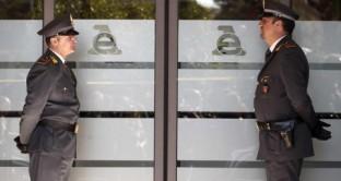 In  nome della lotta all'evasione fiscale, i cittadini diventano spie del Fisco. Servirà davvero?