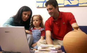 Detrazioni figli a carico, ritoccate al rialzo secondo l'ultima legge di stabilità 2013, sono fruibili anche dai genitori che non sono sposati, come avviene per quelli separati