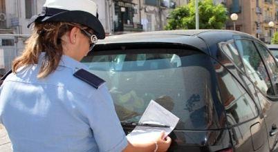 Mega condono per chi ha infranto il codice della strada. Il decreto Sostegno contiene misure per lo stralcio di vecchie multe stradali.