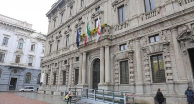 Anche a  Milano il pagamento della prima rata della Tasi slitta a dopo l'estate, mentre il saldo rimane fissato per dicembre.