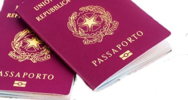 Farsi rilasciare il passaporto costerà quasi il doppio: nel decreto Irpef l'emendamento firmato dal Pd