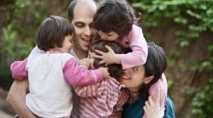 Per i figli maggiorenni, tranne in rarissimi casi, l'assegno al nucleo familiare non è previsto. Bisogna informarsi presso i Comuni per agevolazioni per famiglie a basso reddito.