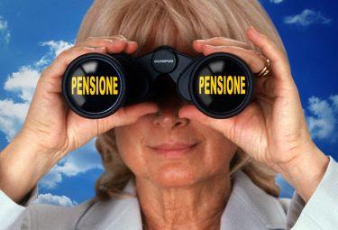 Pensione donne: tre modi per aumentare l'assegno mensile e compensare i buchi contributivi durante la carriera