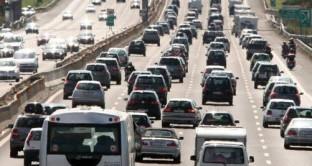 L'UNRAE, l'Associazione delle Case automobilistiche estere propone di introdurre la detrazione al 10% per l'acquisto di un auto nuova con emissioni basse, rottamando quella vecchia