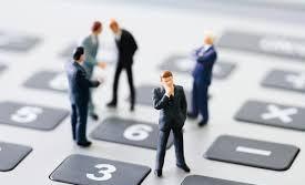 Corsa dei professionisti per aprire la partita IVA agevolata entro il 31 dicembre 2014 in modo da rientrare nel vecchio regime dei minimi. Ma conviene veramente? Non sempre