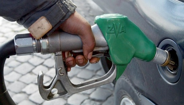 Su tutto il territorio italiano grava una accisa sull'acquisto dei carburanti, la cui giustificazione è stata in varie epoche attribuita a diverse emergenze.