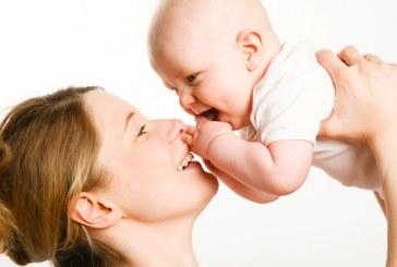 La Corte Costituzionale si pronuncia in merito all'indennità di maternità per la mamme libere professioniste che adottano un bambino italiano.