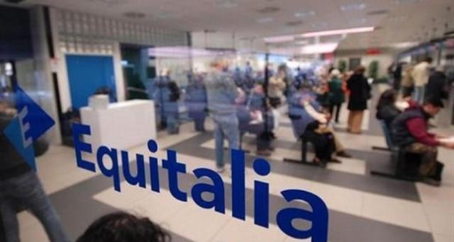 Addio Equitalia, subentra l'Agenzia delle Entrate con più compliance e meno intrusione. Ci sarà una rottamazione delle multe senza interessi e senza sanzioni, ma non per tutti.
