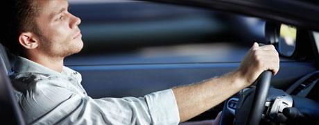 Rc auto aumentata di 3,5 punti percentuali in 7 province su 10. Mercato auto sempre più in affanno