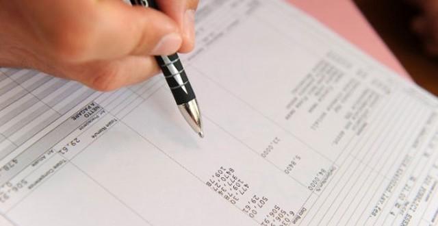 Come leggere la busta paga, dove si trovano i bonus? Intestazione e struttura, presenze, ferie, stipendio e trattenute fiscali e previdenziali obbligatorie.