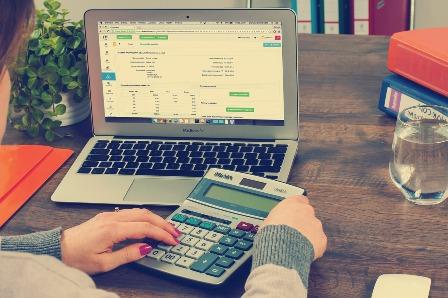 Se l'attività di vendere online non è occasionale serve la partita IVA: ecco la sentenza che pone i paletti ai guadagni facili su Ebay e altre piattaforme