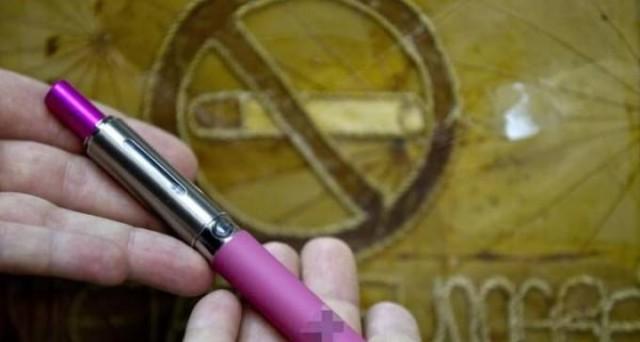 Allo studio delle Finanze la tassazione sulle e-cig, ma prima occorre dare una definizione univoca delle bionde elettroniche, se sono prodotti da fumo o dispositivo medico e poi pensare alla tassa o accisa