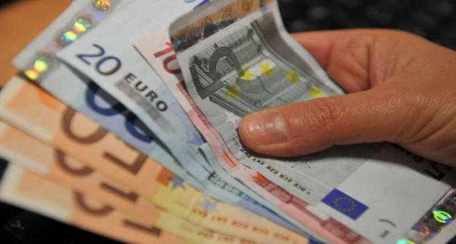 Pagamento in contanti: il limite potrebbe essere innalzato a 3000 euro per mettere l'Italia in linea con gli altri Paesi europei.