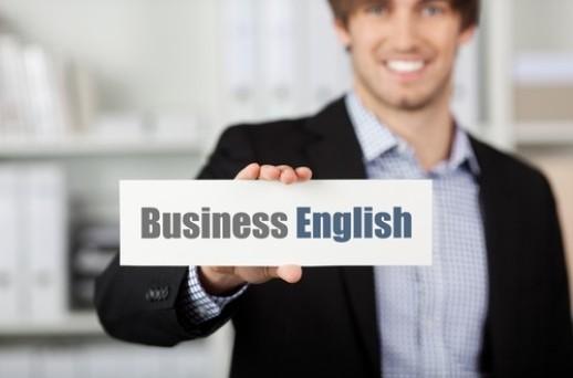 L'inglese serve nel lavoro? Una buona conoscenza della lingua straniera nel curriculum aiuta a guadagnare di più?