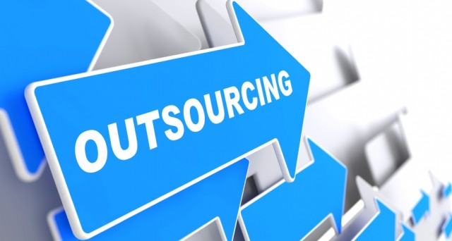 Quali sono le differenze sostanziali tra Offshoring e Outsourching? E richi e vantaggi che li caratterizzano?