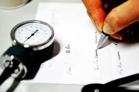 Comunicazione malattia al datore di lavoro: regole per il lavoratore che si ammala in ferie mentre è in vacanza all'estero e novità in arrivo.