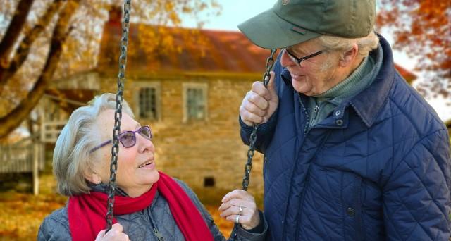 Che differenza di requisiti e di importi c'è tra la pensione di vecchiaia e quella anticipata? Facciamo chiarezza.