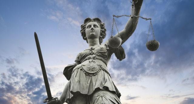 Il gratuito patrocinio permette ai cittadini meno abbienti di accedere ad una assistenza legale gratuita nel processi civili, penali, amministrativi e tributari.