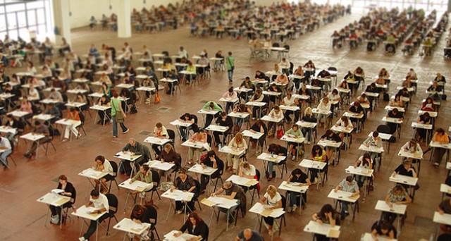 Abolito il voto minimo di laurea come requisito d'accesso ai concorsi pubblici.