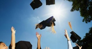 Dove vogliono lavorare i giovani laureati europei? Ecco la classifica dei laureandi in discipline economiche e in discipline tecniche.