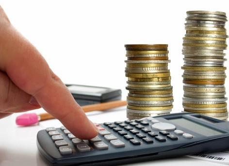 Qual è la paga oraria minima (dignitosa) che si dovrebbe riconoscere ad un lavoratore? In Germania è fissata per legge: e in Italia?