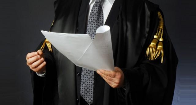 Gli avvocati per non essere cancellati dall'albo devono avere la PEC.