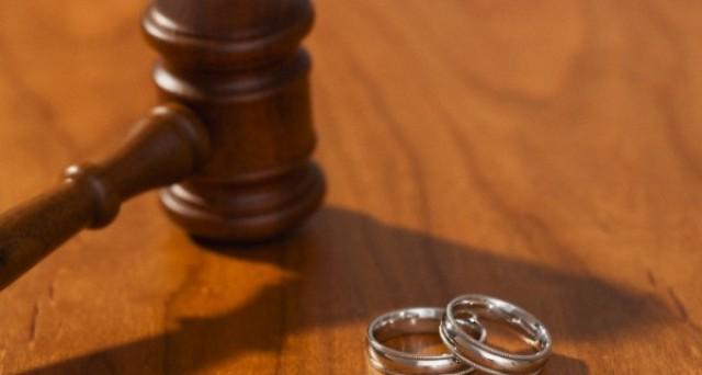 Con il divorzio breve si scioglie il matrimonio davanti al Sindaco e senza avvocati. Ecco come e quando.
