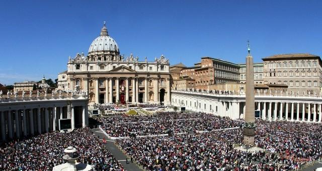 Roma apre le porte a turisti e pellegrino per il Giubileo 2015/2016: l'evento creerà 5 mila posti di lavoro tramite assunzioni straordinarie nella sanità e nella sicurezza