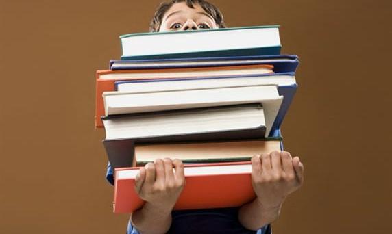 Si torna a parlare di caro scuola: quanto costerà quest'anno alle famiglie il corredo scolastico e l'acquisto dei libri?