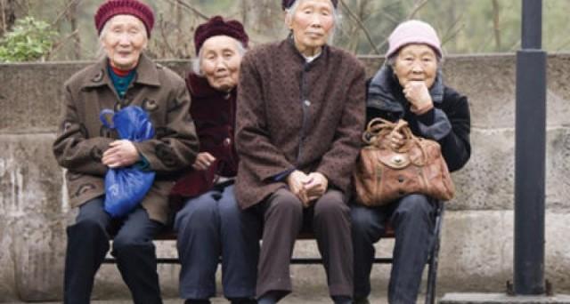 Ecco un modo per anticipare la pensione con la riforma Fornero. 64 anni per uomini e donne.