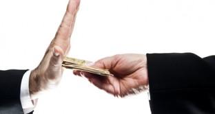 Pagamenti in contanti sopra i 1000 euro con regole che trovano applicazione anche ai pagamenti con assegni e libretti al portatore