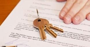 Non basta registrare i contratti di affitto: occorre che l'importo sia quello effettivamente riscosso. Come chiedere le cifre extra pagate in nero al locatore