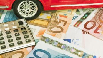 Bollo auto, calcolo e pagamento online: chi può seguire la procedura agevolata con targa e chi deve utilizzare la formula completa.