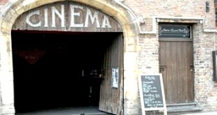 Esenzione IMU, TASI e TARI per cinema e teatro: basta a combattere la crisi del settore?