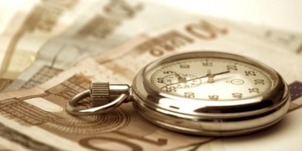 In linea generale la prescrizione di un pagamento è dopo 10 anni, ma per i tributi che vanno versati periodicamente il termine può essere anche più breve, vediamo in quali casi.
