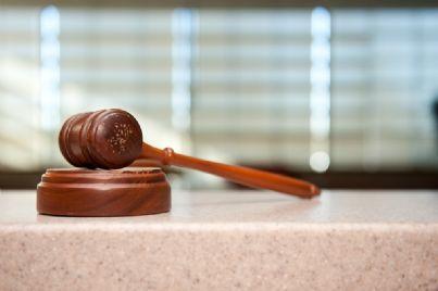 Quale ordine si segue tra i parenti per la suddivisione dell'eredità nel caso in cui il de cuius non ha predisposto testamento? Ecco la guida alla successione legittima